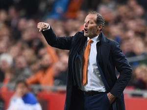 Team News: One change apiece for Netherlands, France