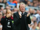 Steve McLaren manager of Newcastle United on the touchline during the Barclays Premier League match between Newcastle United and Norwich City at St James' Park on October 18, 2015 in Newcastle upon Tyne, England