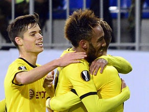 Dortmund lead Schalke 04