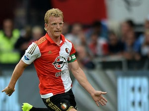 Ten-man Feyenoord hold out for Groningen draw