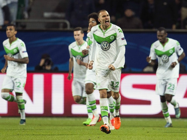 Result: Bas Dost, Max Kruse give Wolfsburg win