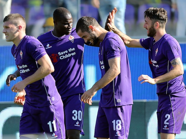 Gonzalo Rodriguez of ACF Fiorentina celebrates after scoring a goal during the Serie A match between ACF Fiorentina and Frosinone Calcio at Stadio Artemio Franchi on November 1, 2015 in Florence, Italy.