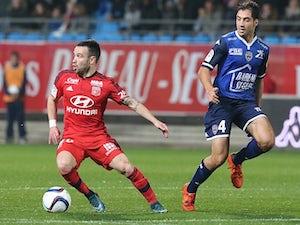 Beauvue penalty sends Lyon second