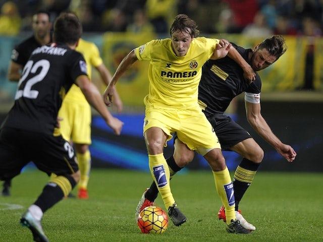 Villarreal 39 s midfielder tomas pina l vies with sevilla 39 s polish midfielder grzegorz krychowiak - Villarreal fc league table ...