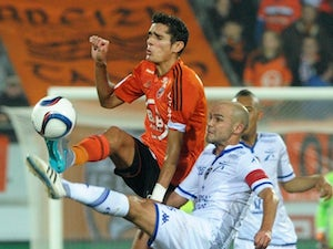 Lorient see off winless Troyes