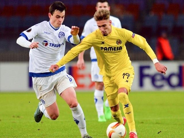 Dinamo minsk 39 s midfielder kirill premudrov l vies for the ball with villarreal 39 s midfielder - Villarreal fc league table ...