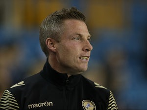 Harris sticks up for Millwall fans