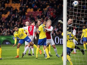 Five-star Ajax pound winless Cambuur
