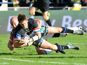 Clermont hold off Ospreys comeback