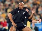 New Zealand's Jonah Lomu performs the Haka on September 1, 2001