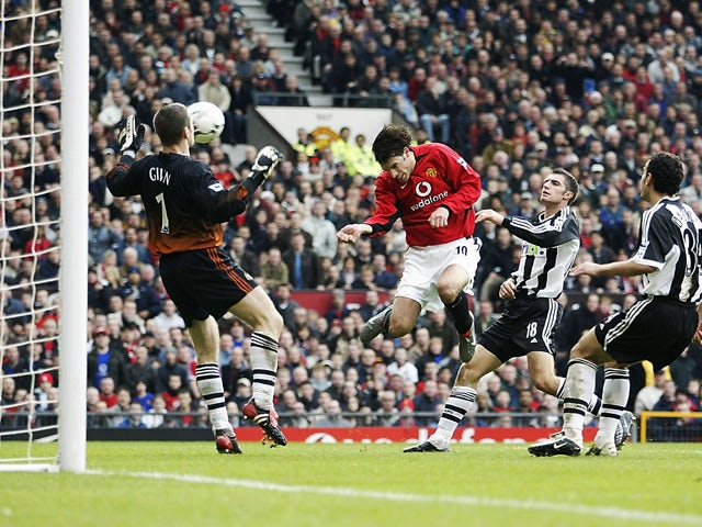 official photos 6181d a4f44 On this day: Ruud van Nistelrooy hits Manchester United hat ...