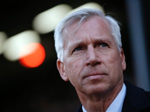 Crystal Palace's English manager Alan Pardew watches his players during the English Premier League football match between Crystal Palace and Newcastle United at Selhurst Park in south London on November 28, 2015