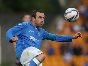 Captain signs new St Johnstone deal