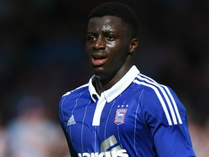 Ipswich defender makes Crawley switch