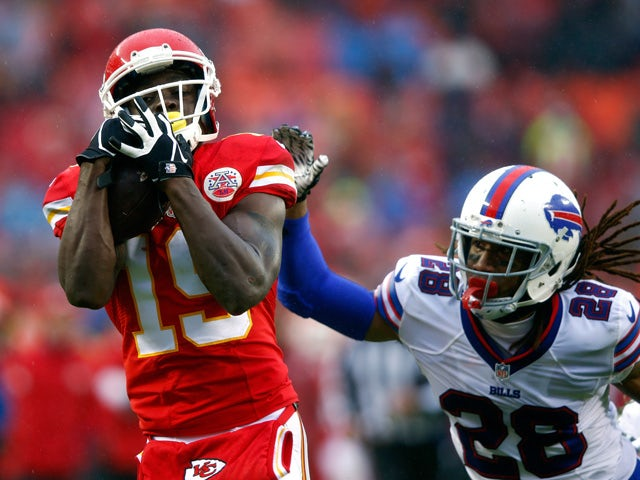 Wide receiver Jeremy Maclin #19 of the Kansas City Chiefs makes a catch for a touchdown as cornerback Ronald Darby #28 of the Buffalo Bills defends during the 1st half of the game at Arrowhead Stadium on November 29, 2015