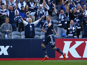 Victory hold on to beat Adelaide