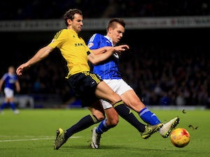 Middlesbrough beat Ipswich to go top
