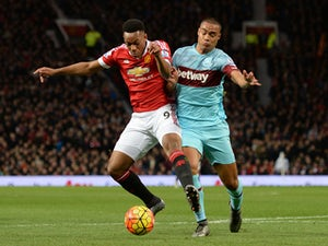 West Ham hold firm to deny Man United