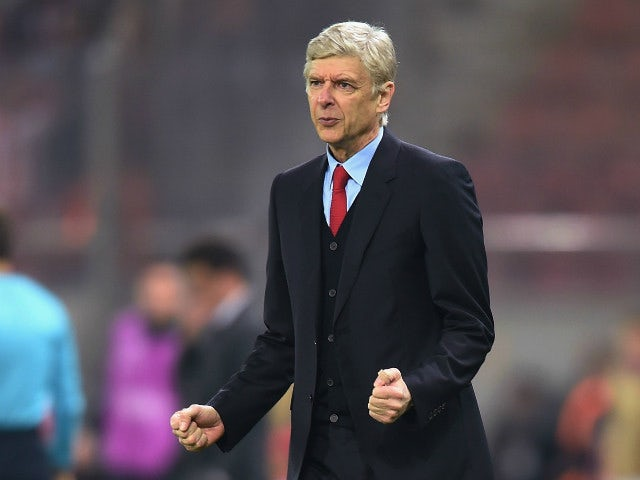 Half-Time Report: Walcott, Giroud put Arsenal in command