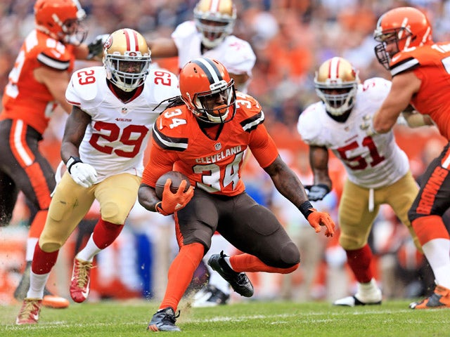 Running back Isaiah Crowell #34 of the Cleveland Browns runs the ball during the second quarter against the San Francisco 49ers at FirstEnergy Stadium on December 13, 2015