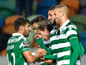 Sporting go top with Moreirense victory