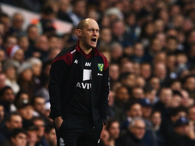 Alex Neil barks from the sidelines during the game between Spurs and Norwich on December 26, 2015