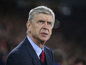 Smith: 'New Wenger deal would surprise me'