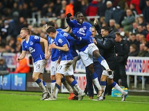 Everton strike late to down Newcastle