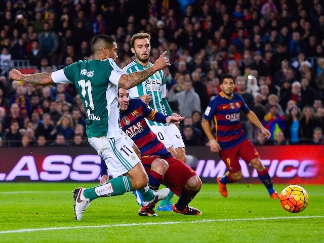 Lionel Messi finds the net during the game between Barcelona and Real Betis on December 30, 2015