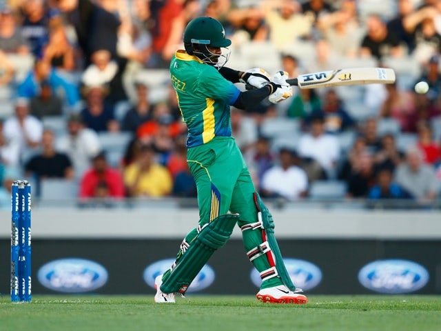 Mohammad Hafeez of Pakistan bats during the first T20 match against New Zealand at Eden Park on January 15, 2016