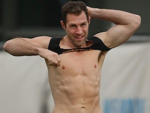 Collingwood's Travis Cloke gets his norks out on August 21, 2015