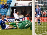 Aaron Lennon scores the second during the FA Cup game between Carlisle and Everton on January 31, 2016