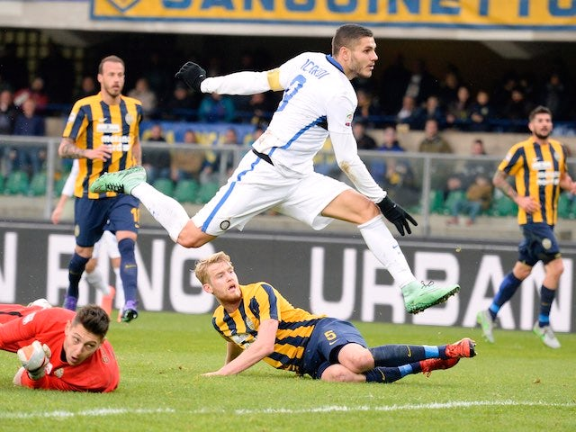 Mauro Icardi celebrates scoring during the Serie A game between Hellas Verona and Inter on February 7, 2016