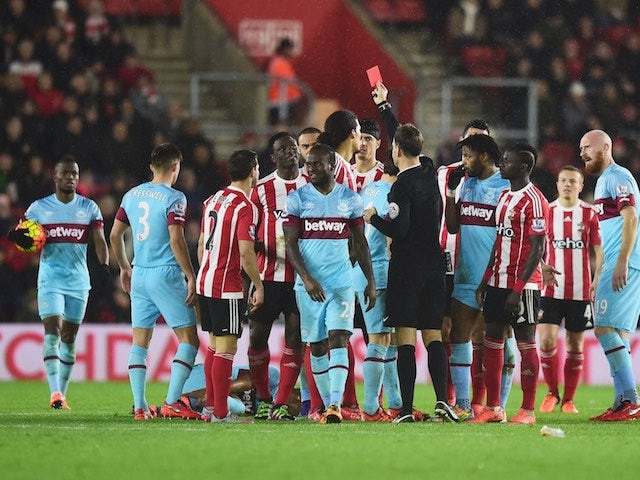 Victor Wanyama sees red during the Premier League game between Southampton and West Ham United on February 6, 2016