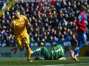 Barcelona overcome impressive Levante
