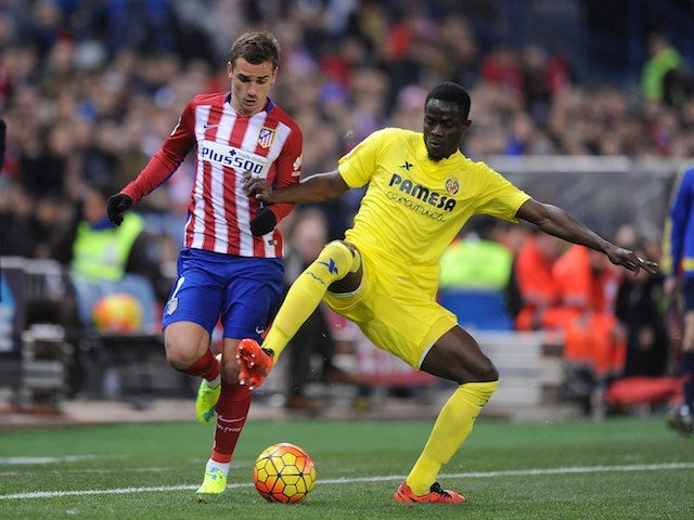 Eric Bailly and Antoine Griezmann in action during the La Liga game between Atletico Madrid and Villarreal on February 20, 2016