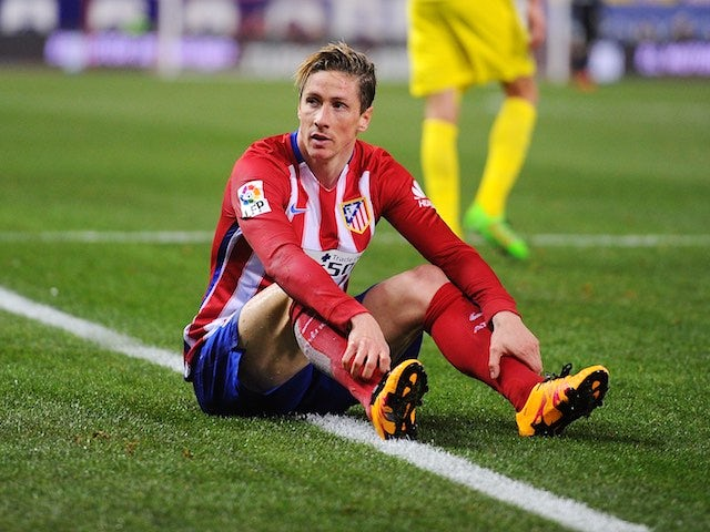 Fernando Torres curses a missed chance during the La Liga game between Atletico Madrid and Villarreal on February 20, 2016