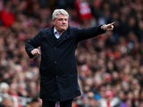 Steve Bruce on the touchline during the FA Cup game between Arsenal and Hull City on February 20, 2016