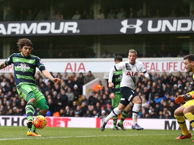 Alberto Paloschi scores during the Premier League game between Tottenham Hotspur and Swansea City on February 28, 2016