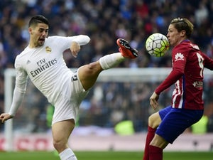 Arsenal, Spurs 'to battle for Isco'