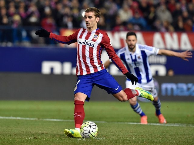 Antoine Griezmann takes a penalty during the La Liga game between Atletico Madrid and Real Sociedad on March 1, 2016