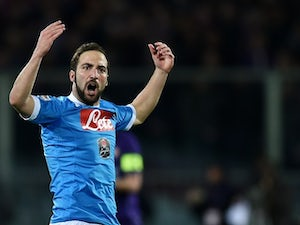 Higuain 'turns down lucrative China move'