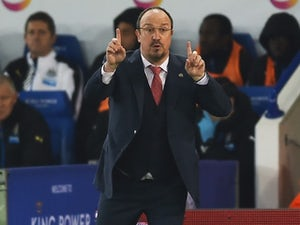 Rafael Benitez gives instructions during the Premier League game between Leicester City and Newcastle United on March 14, 2016