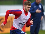 Calum Chambers in action during an England U21 training session on March 24, 2016