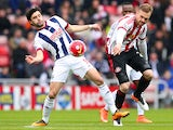 Claudio Yacob and Jan Kirchhoff in action during the Premier League match between Sunderland and West Bromwich Albion on April 2, 2016