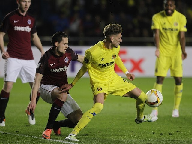 Mario Holek and Samuel Castillejo in action during the Europa League quarter-final between Villarreal and Sparta Prague on April 7, 2016