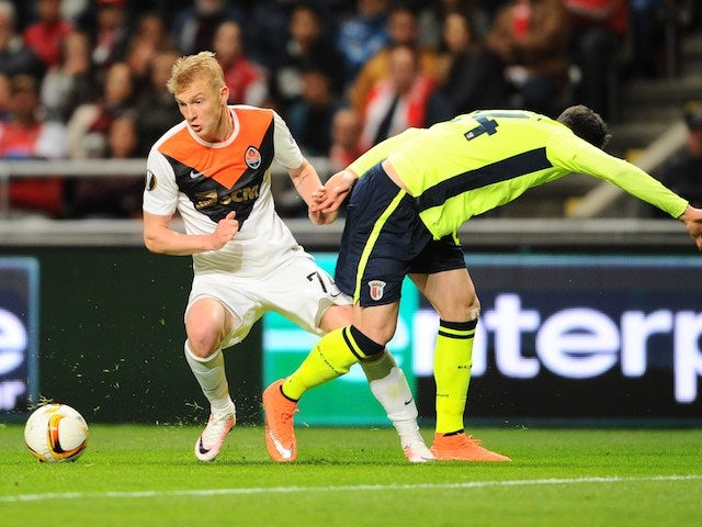 Ricardo Ferreira and Viktor Kovalenko in action during the Europa League quarter-final between Braga and Shakhtar Donetsk on April 7, 2016