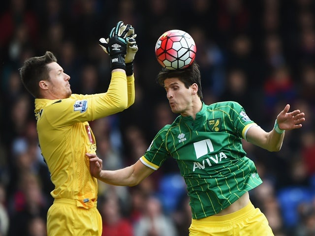 Timm Klose and Wayne Hennessey during the Premier League match between Crystal Palace and Norwich City on April 9, 2016