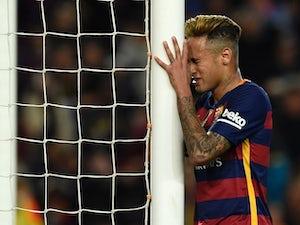 Barca miss chance to close gap with defeat at Malaga