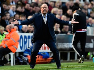 Newcastle down Villa to move top